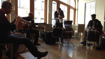 Les musiciens à l'étage du Palace