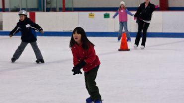 Si le calendrier est respecté, la patinoire devrait être inaugurée d'ici le mois de septembre.