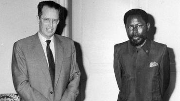 L'ex-Premier ministre Bo-Boliko Lokonga aux côtés du Roi Baudouin en 1980.