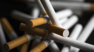"""Jugée """"meilleure au goût"""" que le tabac, moins """"dangereuse"""" et """"plus saine"""", l'herbe de cannabis a une image positive et """"dédramatisée"""" auprès des adolescents, selon une étude de l'Observatoire français des drogues et des toxicomanies (OFDT) publiée mardi."""