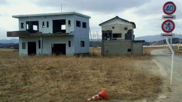 La tâche de reconstruction est immense : en 2011, 95.000 habitations ont été partiellement ou totalement démolies.