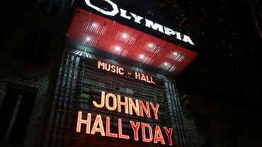 """A l'Olympia, on a déjà enlevé les lettres rouges de """"Johnny Halliday"""", au grand dépit des fans"""