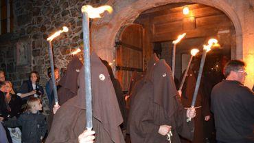 Le costume de bure des pénitents remonte au Moyen-Age