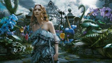"""Mia Wasikowska dans """"Alice au Pays des Merveilles"""" de Tim Burton"""