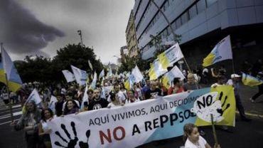 Des milliers de manifestants contre la prospection pétrolière au large des Canaries