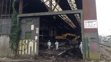 La démolition de l'ancienne usine a commencé et devrait durer environ quatre mois