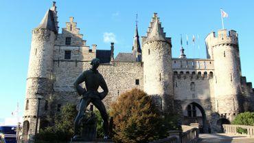 Le château Steen, à Anvers