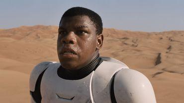 "John Boyega dans ""Star Wars VII"""