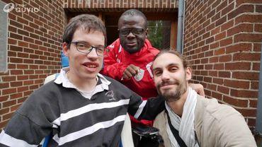 """Cap 48 : notre journaliste a rencontré les résidents de """"Notre Village"""""""