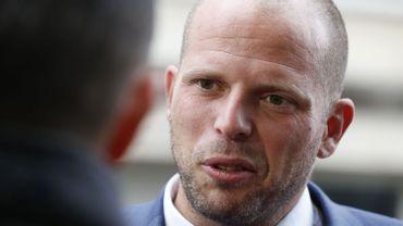 """""""Nous ne signerons pas ce texte"""", avait confirmé une porte-parole de Theo Francken à """"De Standaard"""". Ce midi, chez Jan Jambon on relativise."""