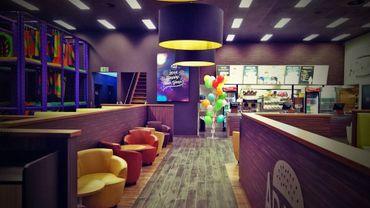 Un accouchement miracle dans un fast-food de Molenbeek