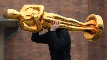 Les Oscars se préparent sur fond de polémiques..
