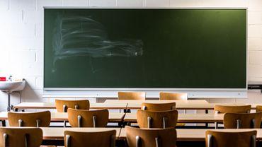 Les classes de l'école communale de Chaumont resteront vides cette semaine.