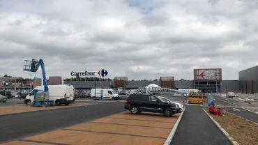 Les parkings de l'hypermarché ont notamment été réaménagés