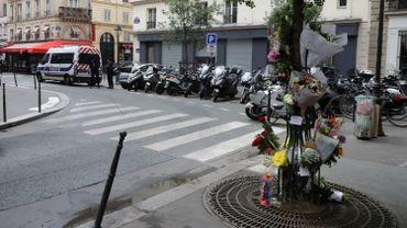 Attaque au couteau à Paris: l'ami de l'assaillant inculpé et écroué