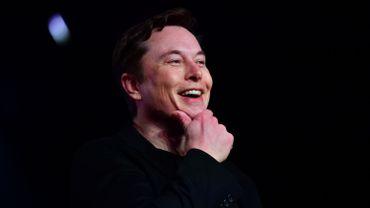"""La société créée par Elon Musk SpaceX a lancé lundi la deuxième grappe de sa future constellation de mini-satellites """"Starlink""""."""