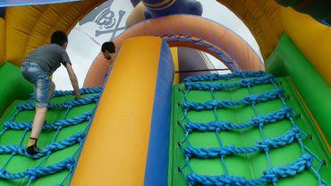 Châteaux gonflables, aires de jeux... quelles sont les règles imposées aux organisateurs?