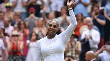 Serena Williams s'est promenée vers les quarts de finale à Wimbledon