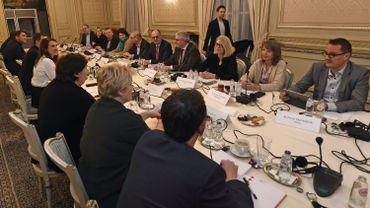 """Une réunion du """"Groupe des 10"""" (archive)"""