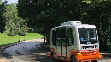 La navette sans chauffeur de la STIB est arrivée au parc de la Woluwe