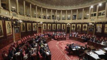 La séance plénière du Sénat sur les pouvoirs spéciaux reportée à vendredi à 10h