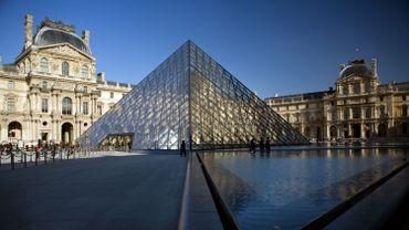 Crue de la Seine à Paris: les berges inondées, le Louvre fermé vendredi