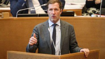 """CETA: Paul Magnette """"apaisé"""" sur la saisine de la Cour européenne de justice"""