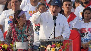 Le président Daniel Ortega et sa femme, la vice-présidente Rosario Murillo, lors d'un rassemblement pour le 39e anniversaire de la révolution sandiniste, le 19 juillet 2018 à Managua, au Nicaragua