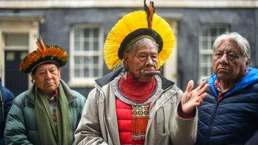Brésil : le défenseur emblématique de l'environnement et des peuples indigènes Raoni va mieux