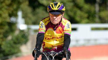 A 103 ans, Robert Marchand grimpe en vélo un col de 9 km en 56 minutes