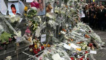 Hommages et recueillements place Saint-Lambert à Liège