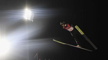 Andreas Wellinger remporte les qualifications sur le petit tremplin