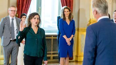 Prestation de serment de Sarah Schlitz, secrétaire d'État à l'Égalité des Genres et à la Diversité.