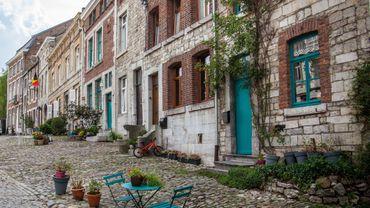 Les ruelles de Limbourg invitent à l'évasion dans l'un de plus beaux villages de Wallonie