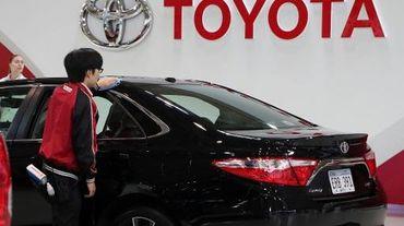 Un véhicule Toyota au showroom de la firme le 8 mai 2015 à Tokyo