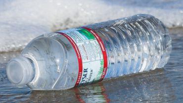 Des entreprises innovent pour lutter contre le gaspillage du plastique