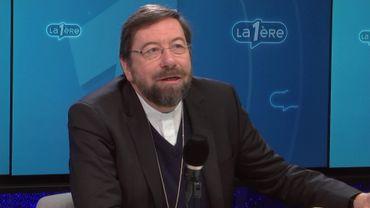 """L'Évêque de Liège sur l'accueil des réfugiés: """"J'ai honte"""""""