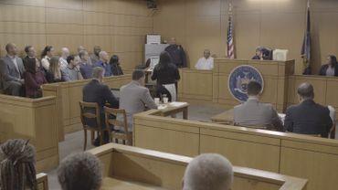 """""""La couleur de la justice"""", le procès fictif du policier responsable de la mort du Noir-Américain Eric Garner"""