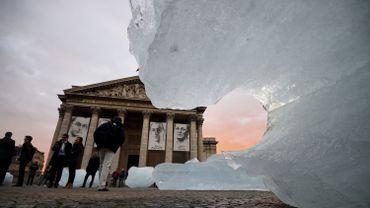 L'artiste islandais danois Olafur Eliasson avait installé des blocs de glace provenant du Groenland dans plusieurs capitales pour alerter le public sur le réchauffement climatique.