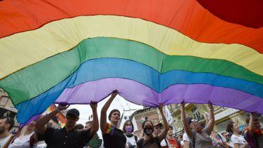 Les associations LGBTQ exigent des excuses.