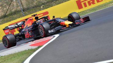 Max Verstappen en pole en Hongrie devant les Mercedes