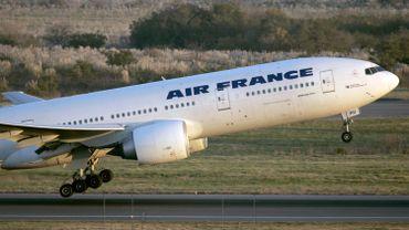 À peine une centaine de kilomètres aurait séparé le missile du long courrier Air France.