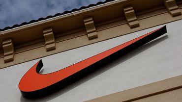 Nike ne tolère pas de marques concurrentes lors de la visite de son entrepôt.