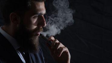 E-cigarettes : certains arômes seraient plus toxiques que d'autres