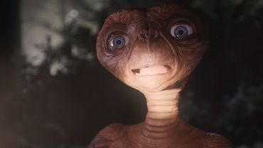 37 ans plus tard, E.T. est de retour maison pour faire sa publicité