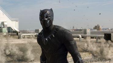 """Black Panther vient de faire sa première apparition dans """"Captain America : Civil War""""."""