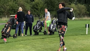Coup magistral pour la joueuse de golf Fabienne Lacroix.
