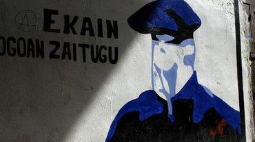 Un logo de l'ETA sur un mur à Hernani,en Espagne