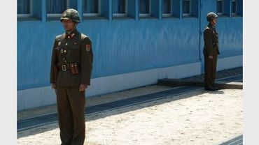 Des soldats nord-coréens à Panmunjom, en avril 2011