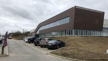 La silhouette du nouveau bâtiment évoque une bouteille de vin couchée